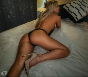Chana incall escort in Río Grande, PR