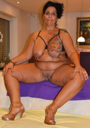 Lidy nuru massage in Thomasville, GA